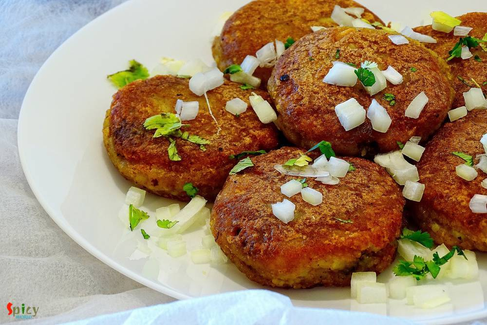 Mutton Keema stuffed Aloo Tikki / Minced Mutton stuffed Potato Fritters