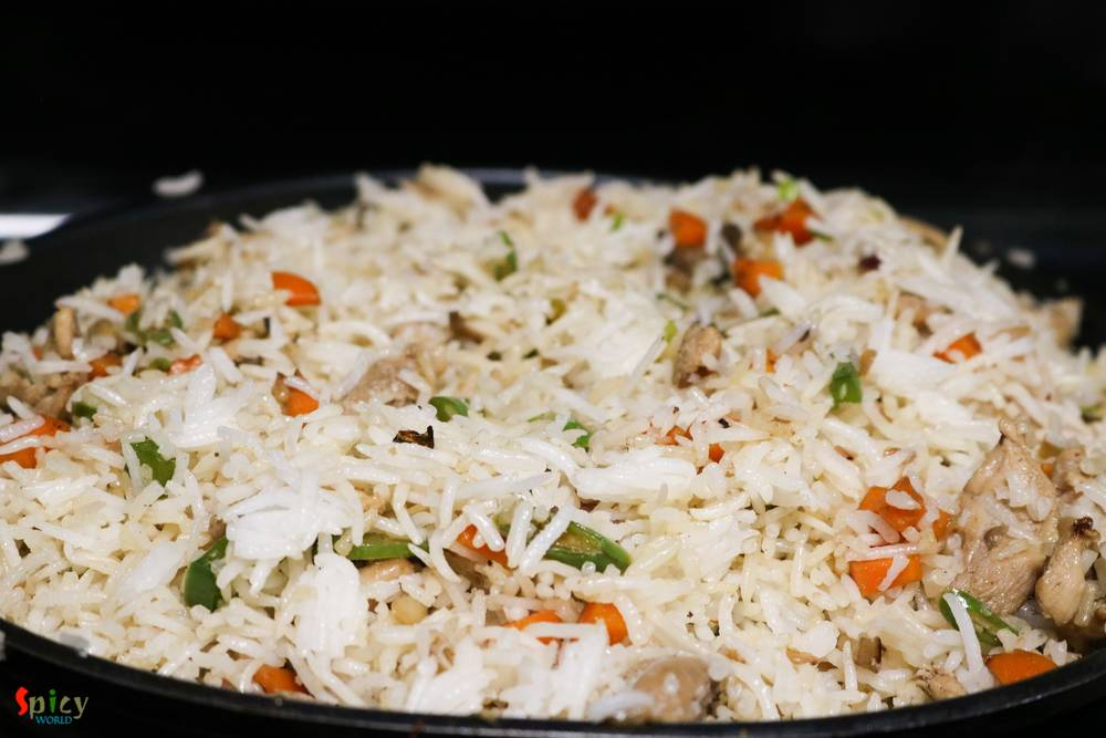 Cooking Step: Chicken Fried Rice