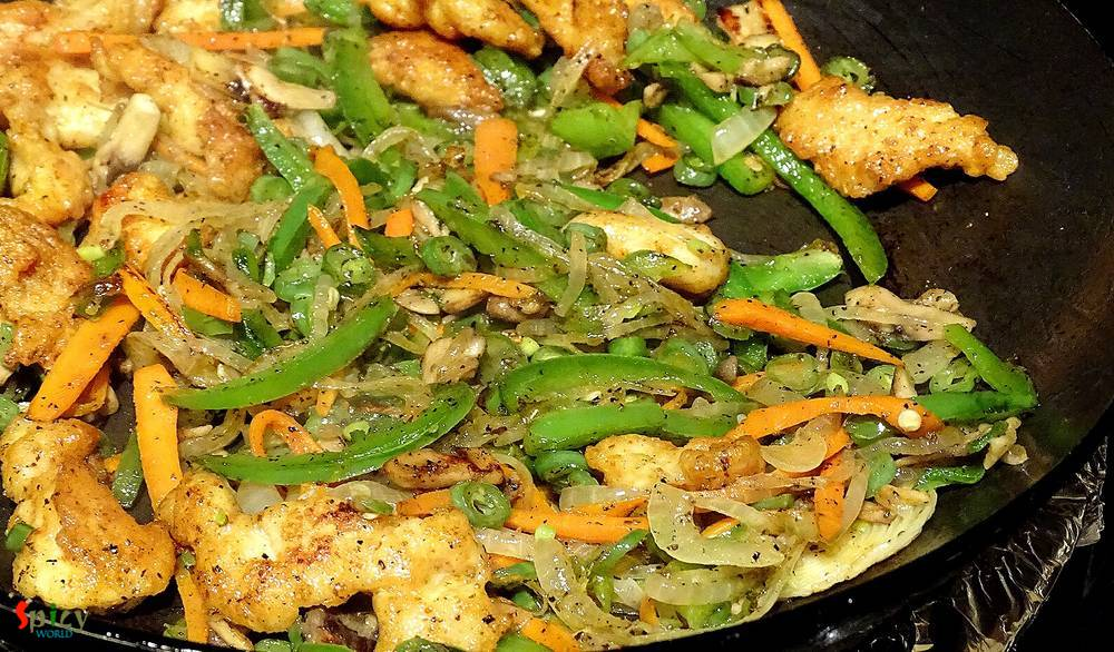 Cooking Step: Chicken Hakka Noodles