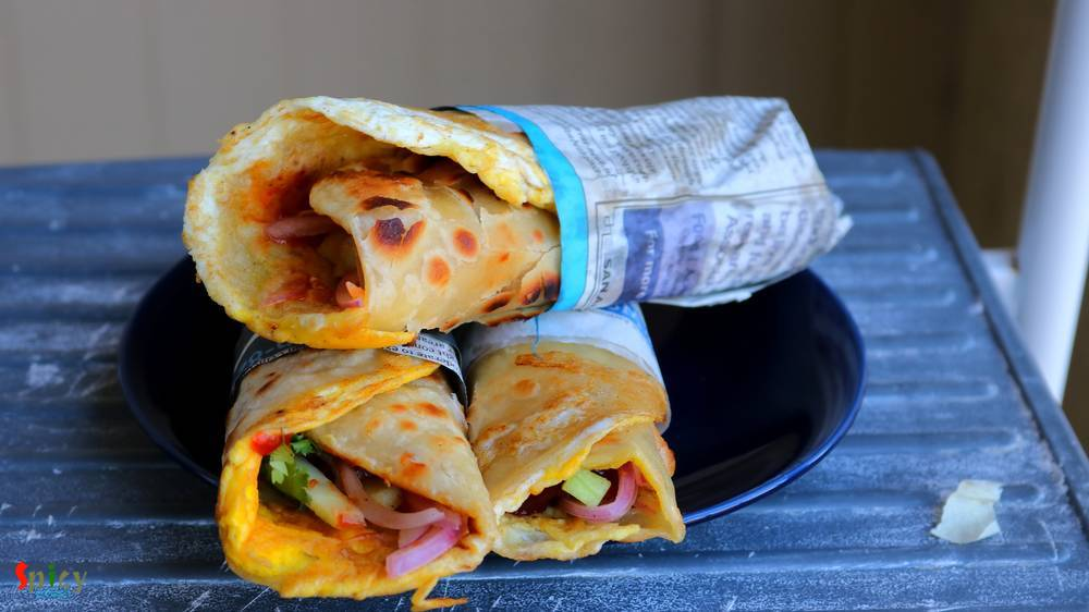 Egg Roll - Kolkata style / Bengali Breakfast Wrap (ডিমের রোল)
