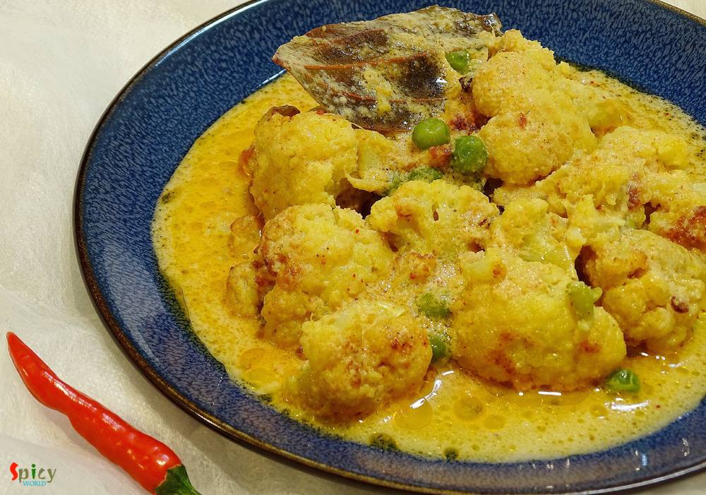 White Cauliflower Curry / Fulkopir Roast (Kolkata Style)
