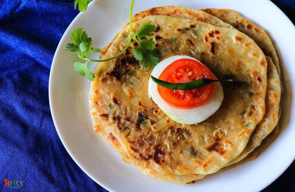 Pyaz Paratha / Onion stuffed Flat Bread