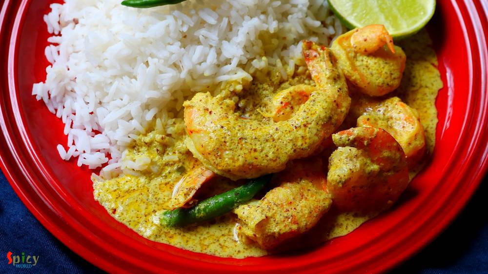 Sorshe Chingri Bhapa  / Steamed Prawn in Mustard gravy