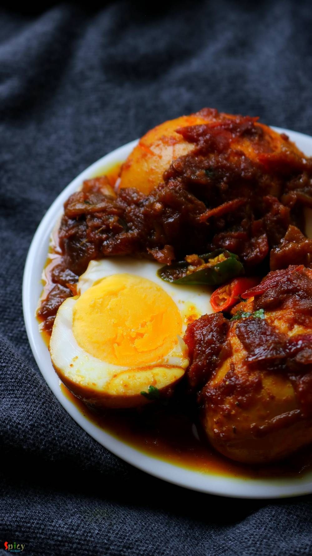 Spicy Egg Curry / ডিম কষা